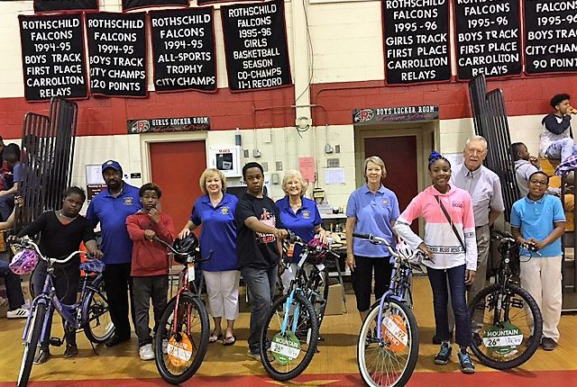 Columbus Club Helps Students Celebrate School S Out